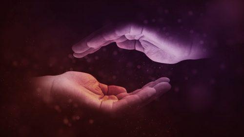 mani che curano